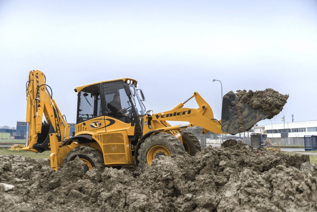 Venieri earthmoving equipment arrives in the U.S.